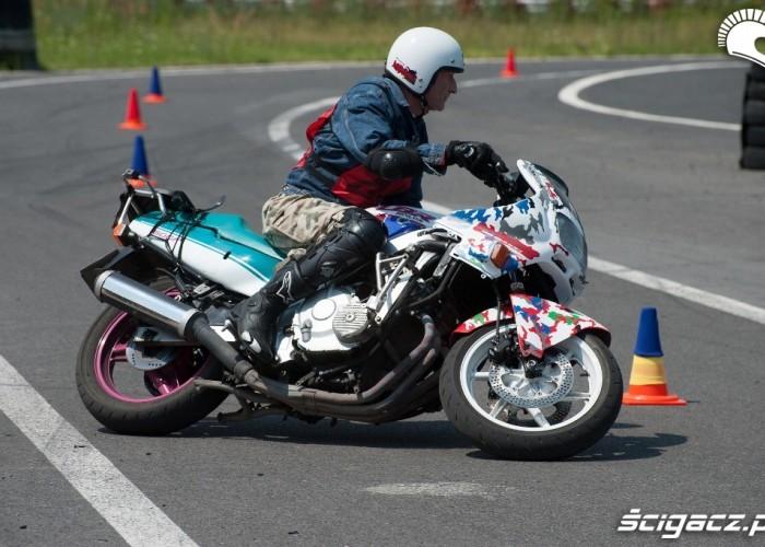 cbr na zakrecie Honda Gymkhana Radom 2012