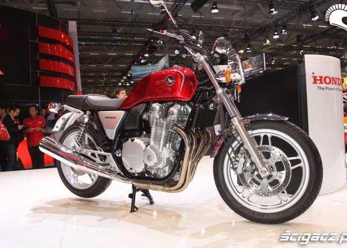 Honda CB1100 2013 czerowna
