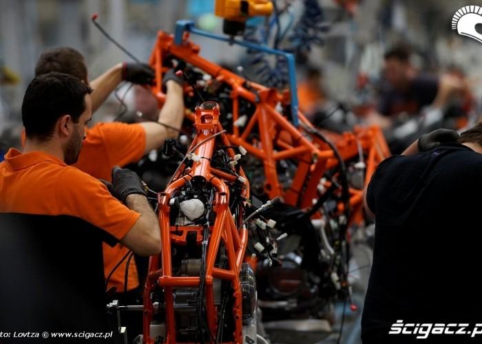 Linia montazowa KTM Factory Tour 2013