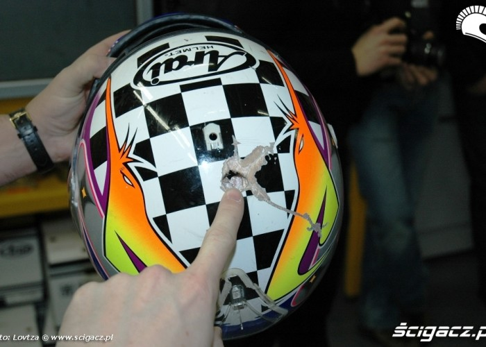 24 Arai Inspiration Center penetracja skorupy