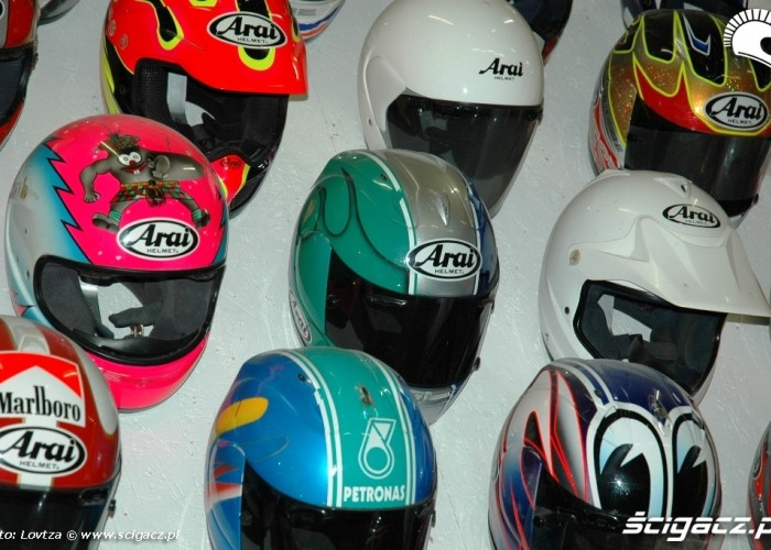 26 Arai Inspiration Center kaski mistrzow