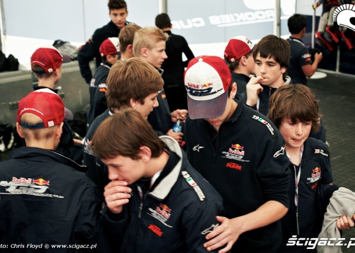 Mlodzi chlopcy Red Bull Rookies Cup