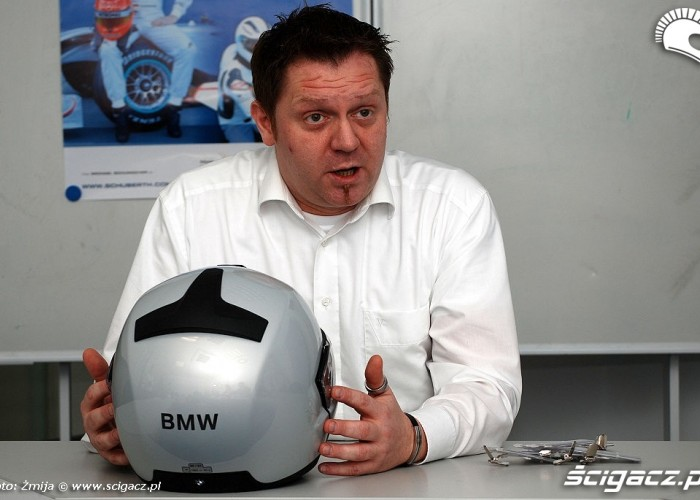 Manager od kaskow BMW w Schuberth
