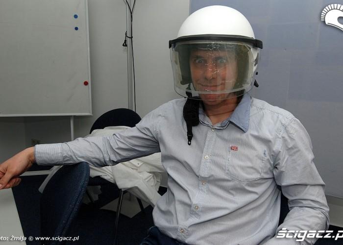Marcin Szambelan kask policyjny schuberth