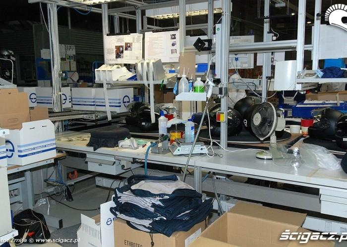 Miejsce skladania kaskow Schuberth fabryka