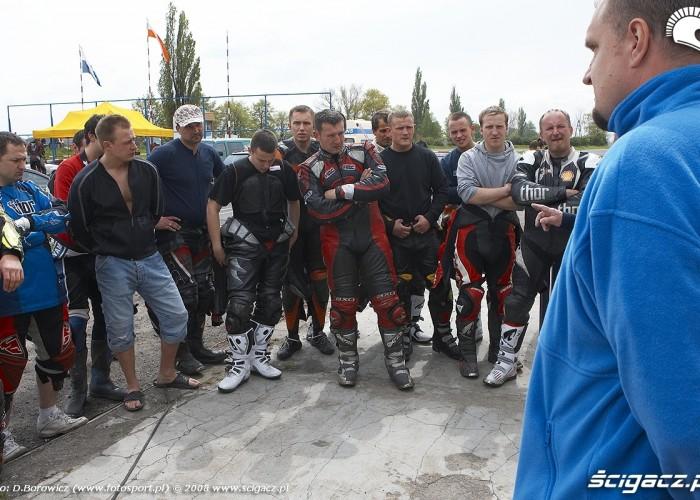 odprawa zawodnikow supermoto quad gostyn 2008 b mg 0006
