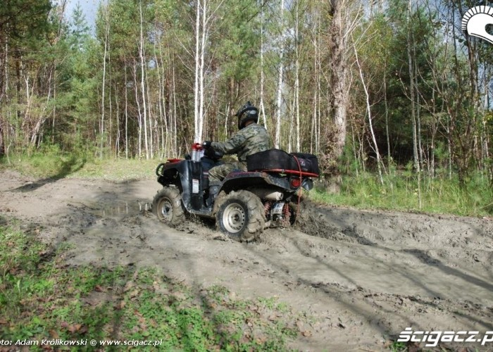 III runda Przeprawowego Pucharu ATV Polska kierowca kawasaki KVF III runda PPP ATV Polska