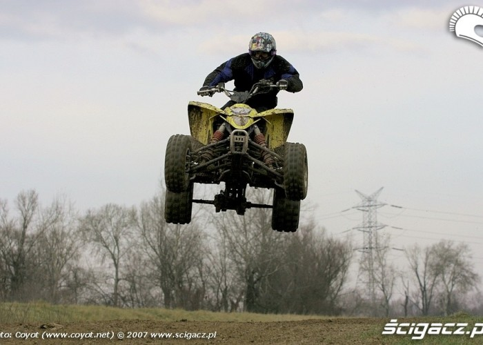 Suzuki LTR450 QuadRacer jumps