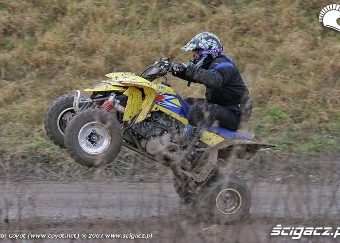 Suzuki LTR450 QuadRacer wheelie