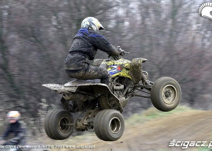 Suzuki LTR450 skok