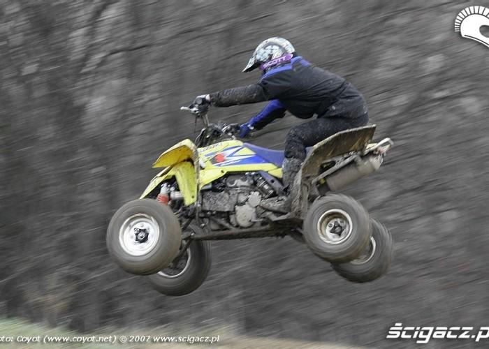 Suzuki QuadRacer hopka