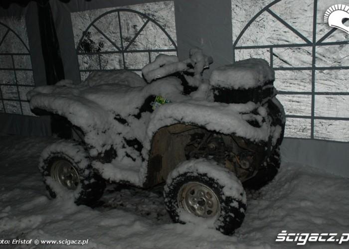 19 Quad przykryty sniegiem