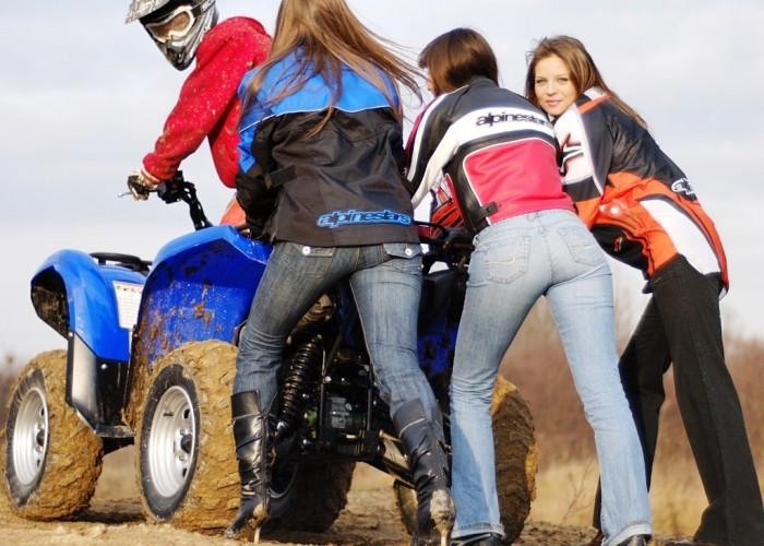 Yamaha Grizzly 700 Fi dziewczyny