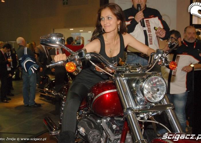 Dziewczyna na Harleyu