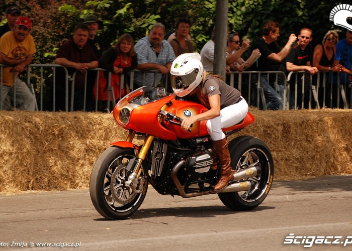 BMW Concept Ninety Valerie Thompson