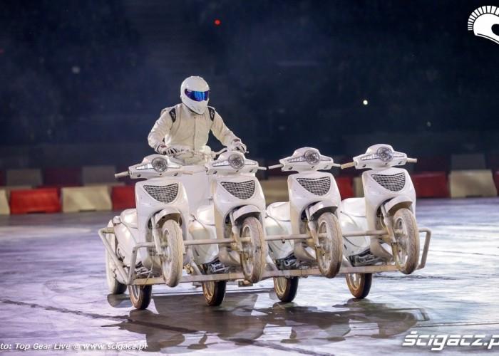 Stig na rydwanie Top Gear Live Warsaw