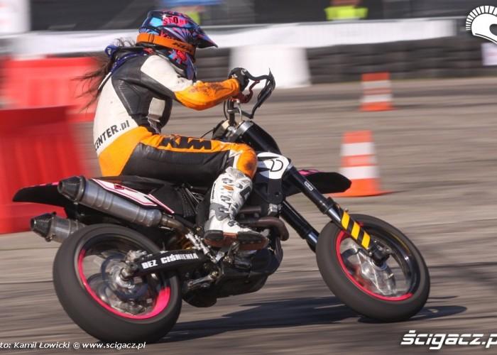 Motocyklistka Supermoto Intercars Motor Show