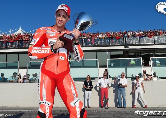 Andrea Dovizioso drag race
