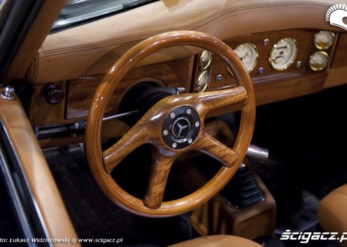 Drewniana kierownica Mercedes