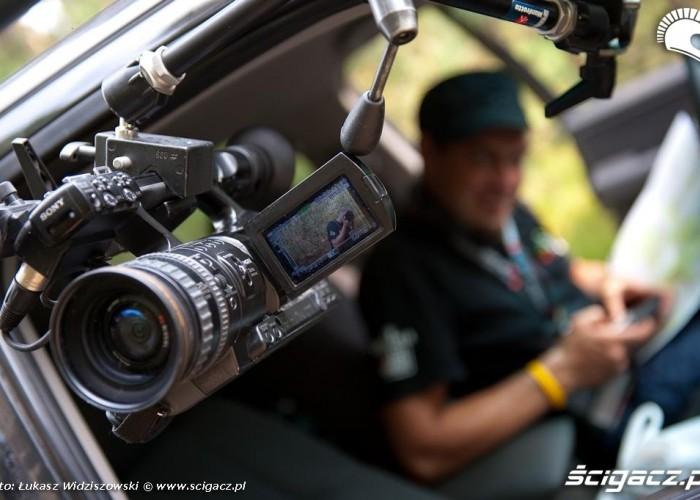 fotograf w kamerze