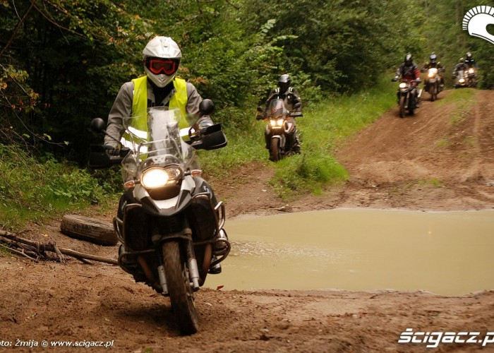 Jazda motocyklem po czolgowce