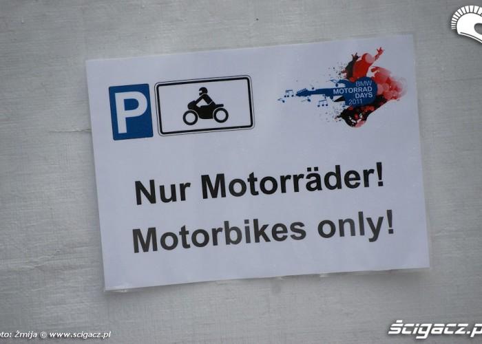Kartka parking tylko dla motocykli