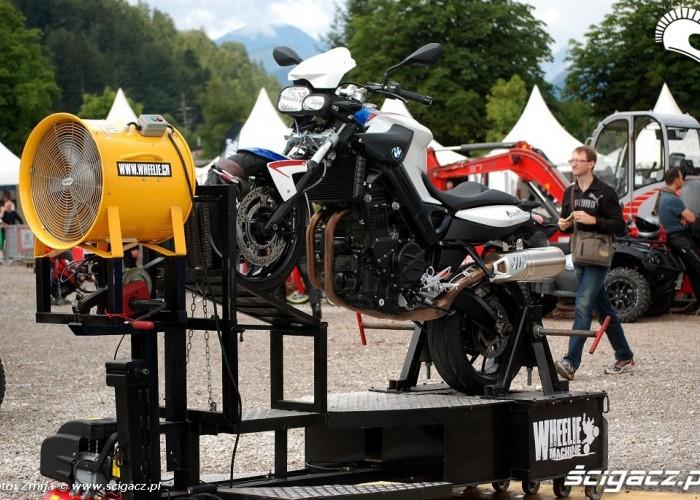 Wheelie machine F800 R