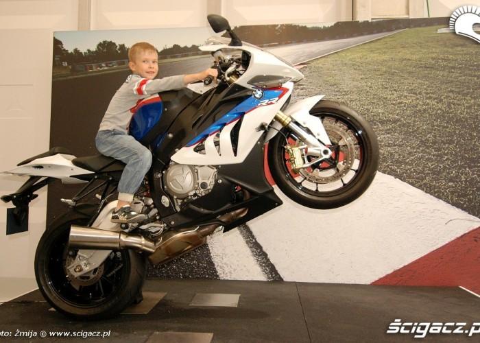 Dziecko na BMW S1000RR