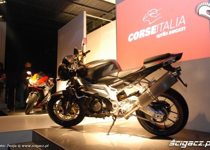Corse Italia motocykle przy wybiegu