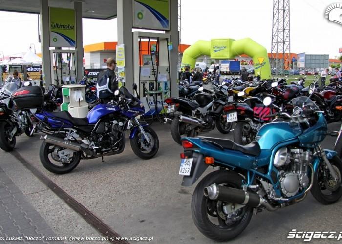 motocykle na stacji BP