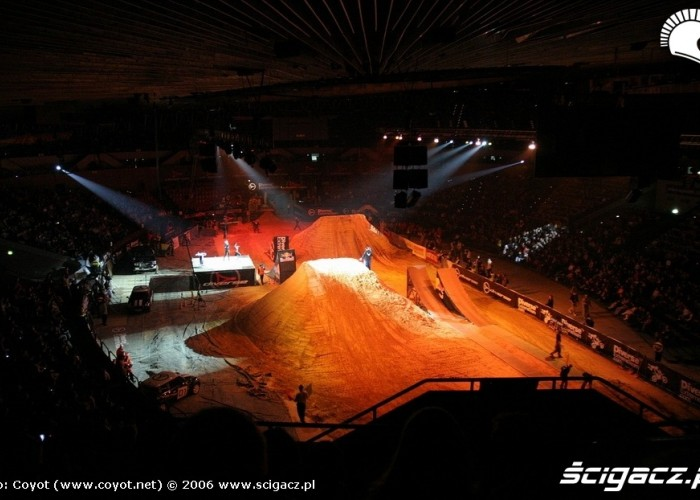 spodek katowice diverse hight of the jumps