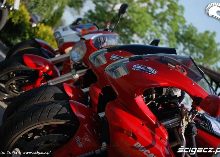 Czerwone Ducati