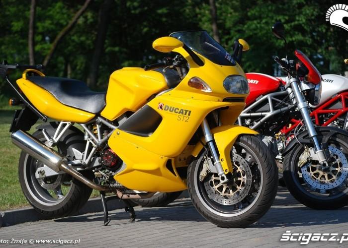 Ducati ST2 zolte malowanie