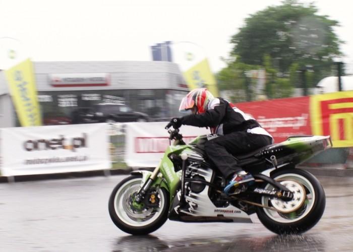 pasio drift w kaluzy Lodz 2011 Motocyklowa Niedziela na BP