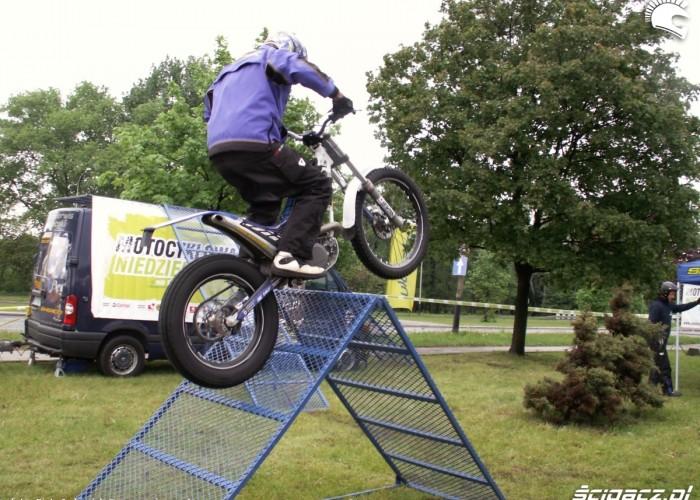 pokaz trialu Lodz 2011 Motocyklowa Niedziela na BP