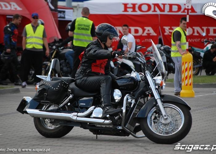 Honda Shadow w Gymkhanie