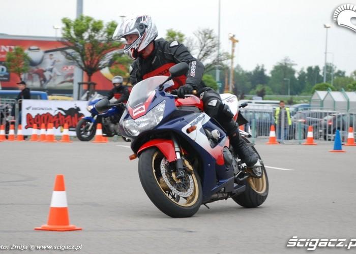 Fireblade Honda przejazd