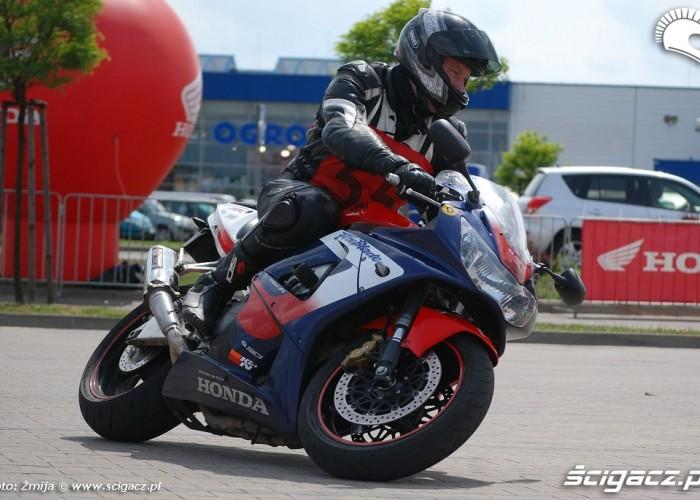 Honda Fireblade jazda