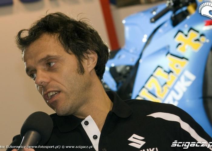capirossi udziela wywiadu wystawa motocykli warszawa 2009 c img 0016