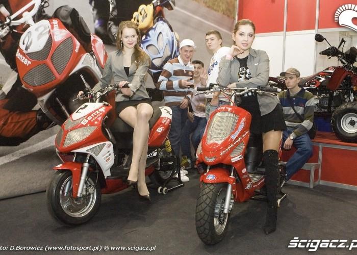 stoisko benzer wystawa motocykli warszawa 2009 e mg 0225