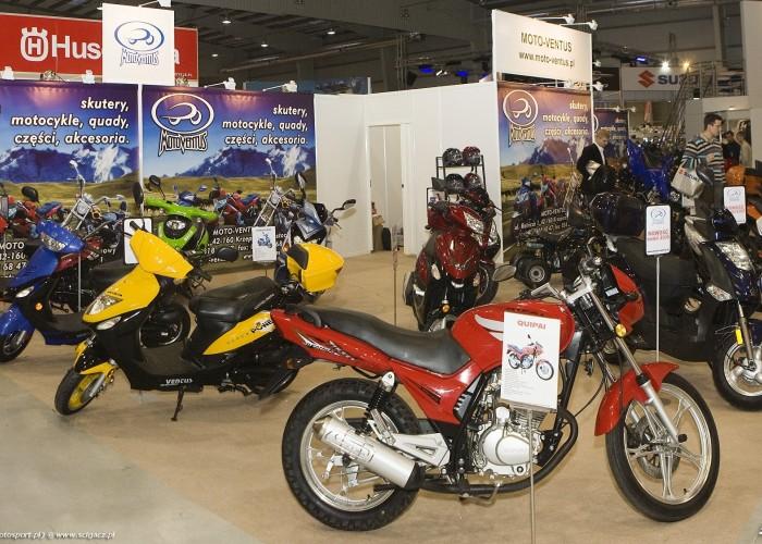 stoisko moto-ventus wystawa motocykli warszawa 2009 Panorama4