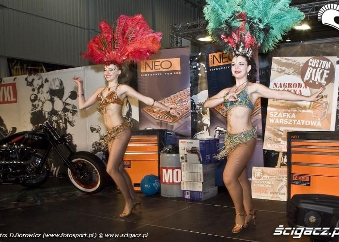 tancerki copacabana wystawa motocykli warszawa 2009 e mg 0313