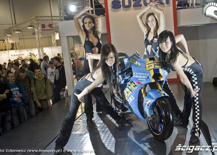 tancerki suzuki wystawa motocykli warszawa 2009 a mg 0091