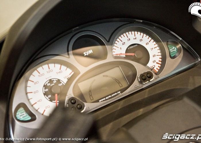 zegary sym wystawa motocykli warszawa 2009 e mg 0159