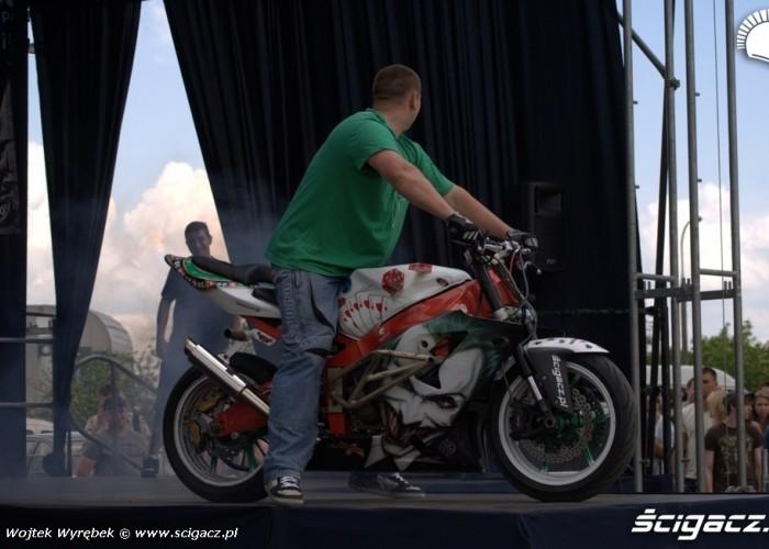 beku pali na scenie - Kortowiada 2011 w Olsztynie