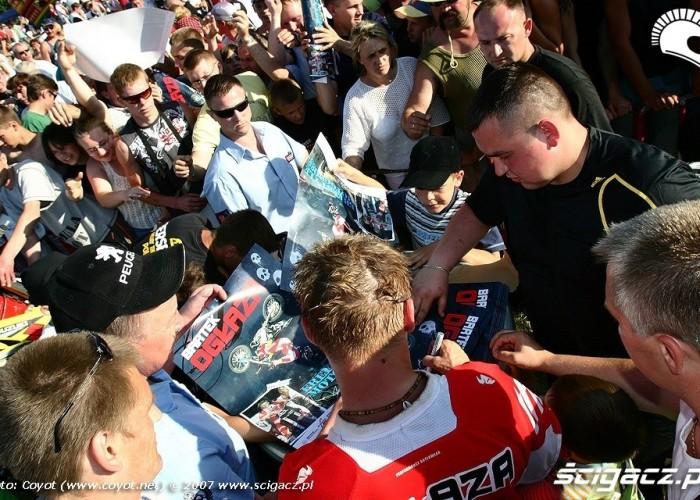 bartek oglaza autografy bike show 2007
