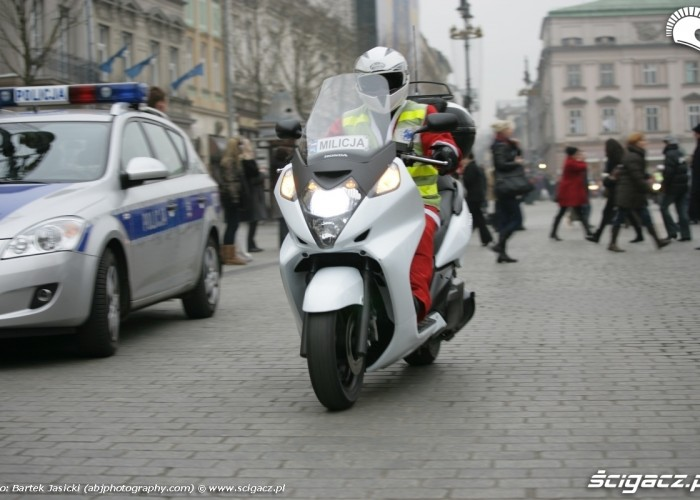 milicja na motocyklu
