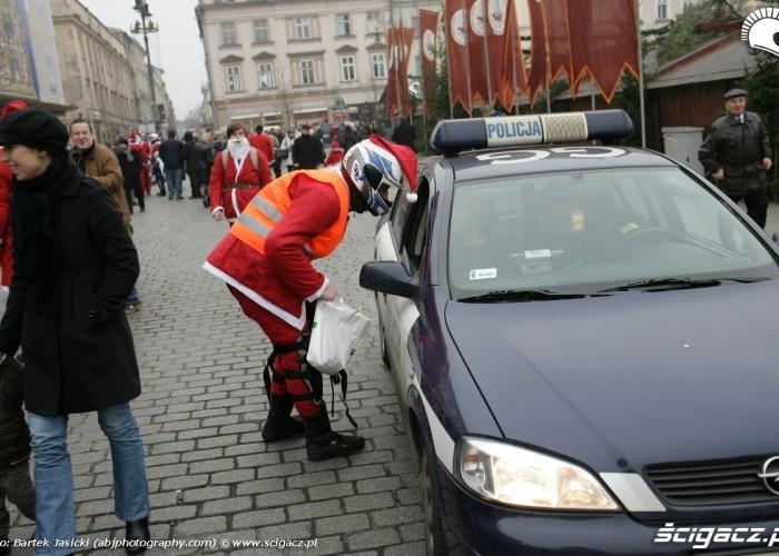 policja wspiera motomikolajow 2009