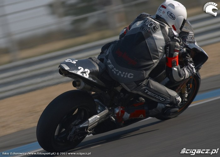 back racing irleand moto 23 le mans 24 d mg 0366