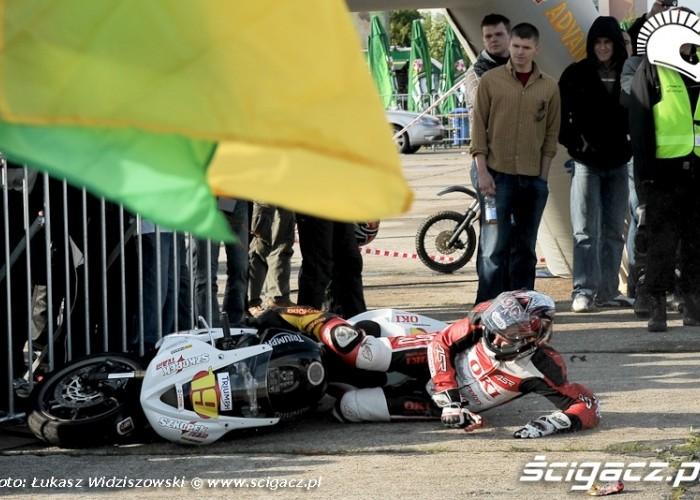 Extreme moto 2009 Szkopek w barierkach